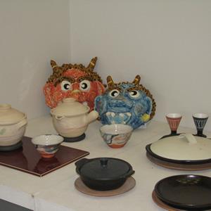 「信楽焼茶器(オリジナル)や器の紹介」琵琶湖よし紙アートの展示
