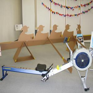 「琵琶湖を拠点にしたパラローイング(障がい者ボート)の紹介」実物大ボート模型の展示