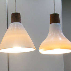 透ける陶器を使った「光る洗面器」