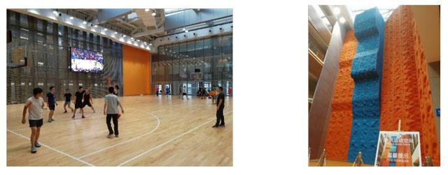 テンセント本社内の従業員向けバスケットボールコート、及びボルダリング施設の写真
