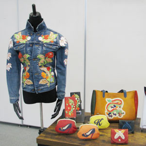 駒刺繍のジャケット・駒刺繍の鞄や財布の画像