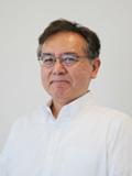 講師の 氏の顔写真