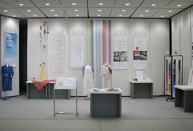 「近江の麻」「近江のちぢみ」展の展示会全体写真1
