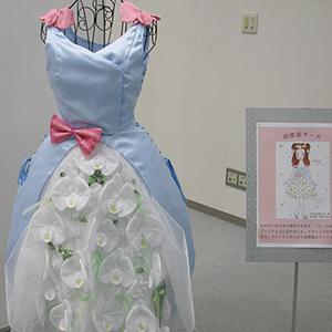 「花をまとうドレスコレクション」展の展示会写真5